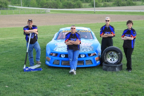 2013 Pit Crew Pic for Tire Disc